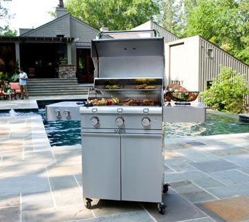 Get Dad Grilling This Summer with Our Father's Day BBQ Sale!